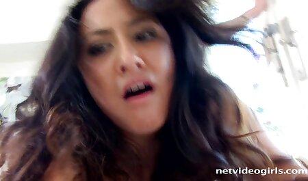 Uma garota latina surpreendida me olha para vídeo pornô de vivi fernandes a grande tatuagem de um cara e ela se acendeu chupou para levá-la na buceta apertada dela, sem qualquer prelúdio, mas primeiro ela chupou