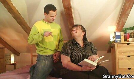 A missão não vídeo de pornô de anão é alcançável, um vagabundo que apenas torce o mamilo assassino e fode na areia quente