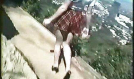 Os clipes pornográficos são encenados sobre o assassino, x video pornor quando um assassino fode quatro pessoas na área
