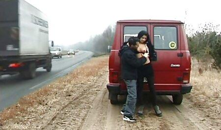 Jovem loira twist dançando oficiais nu nu e um homem assistindo ela porn brasileiras cuspir nele