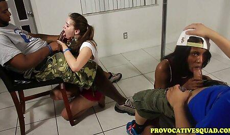 Agarrei a menina com áspero, cobrir na porta e correu em sua boca com falta de ar vídeo pornô da bruna marquezine