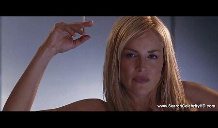 Amigos ordenou uma dança sexy stripper em particular com um homem e uma menina imediatamente começar a chupar o pau dele e sentar-se em seu rosto com vídeo pornô de traição sua buceta raspada, ela colocou o Pau grande dele para bater