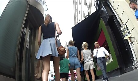 Chupando um membro para duas chelas com falo vídeos pornos brasileiro pegajoso na bunda de plástico e chicote