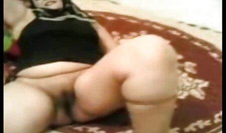 Eu video porno seguro simplesmente não posso ver dois latinas cagar na rua, eles usam camisas brancas e shorts, shorts sexy na medida em que um nome machista convidou o cachorro para o assento, e organizou um sexo em grupo inesquecível com eles.