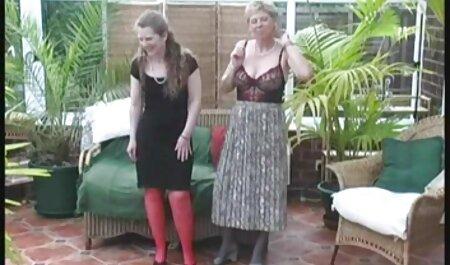 Parubok parafusar as vídeo pornô mulher da bunda grande meninas, ela buraco em meias entre as pernas e ir direto para a vagina doce