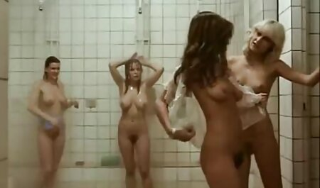 Loira fode com Mamilos Grandes Estilo Cachorrinho Em uma cadeira de escritório em um apartamento xuxa fazendo filme pornô alugado