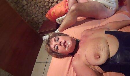 Vizinhos do sexo masculino pagar hostess 5. 500 e fode sua filme pornô de brasileiras bunda em sua mesa da cozinha