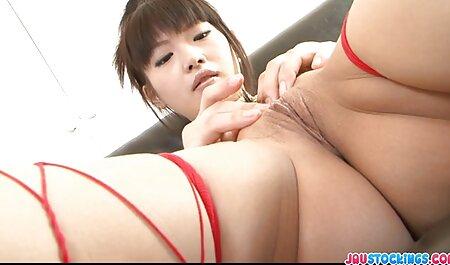 Gala com Peitos grandes se masturba um cara sentado lá como video porno familia sacana o padrinho e estúpido susto pornô