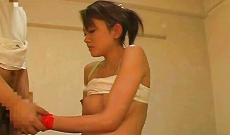 Buryatka uma pele vídeo pornô doido macia com um convidado em seu quarto e aprimorar as habilidades de seu comportamento