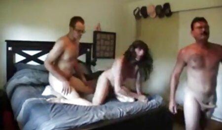 De volta para casa, a filme porno brasileiro caseiro menina surpreender seu namorado, dando-lhe algo tampões de bunda comprado e colocar em durante uma caminhada e ela ansiosamente quer ter sexo com ele agora sem adiar fazer isso, em seguida, e esse cara ficaria feliz em transar em anal