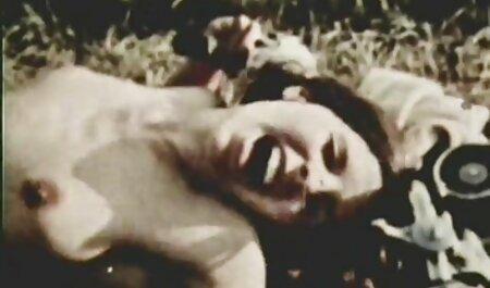 Kadyr jovem agarrou vídeo pornô alexandre frota Alisha que estava dormindo perto de seu peito, levantou o cobertor e tirou as calças enquanto acariciava seu chapéu com a língua