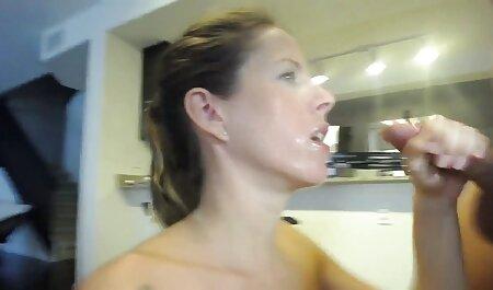 Puxe uma piada de quero vídeo de pornô um pastor de um pequeno e plante o ânus em cima da pilha de couro robusta